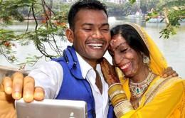 Sao Bollywood đi mừng đám cưới cô gái bị tạt axít