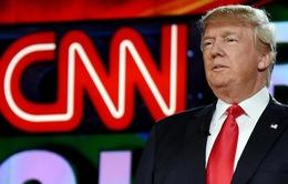 'Đấm thục mạng' CNN: tổng thống Trump đã tính kỹ?