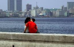 Cuba cho dân 'đi khách sạn' trở lại