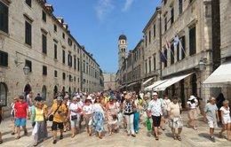 Biểu tình phản đối du lịch lan khắp châu Âu