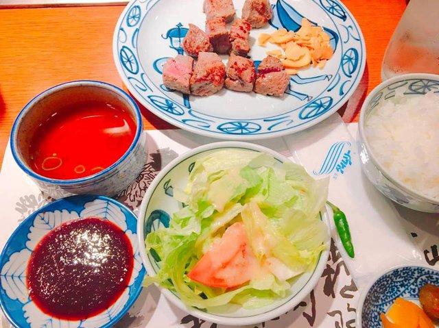 Nhớ ăn bò Kobe nghe, không thì phí cả chuyến đi Nhật Bản - Ảnh 1.