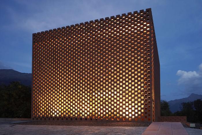 Tham quan 9 công trình bằng gạch đặc sắc nhất thế giới - Ảnh 10.