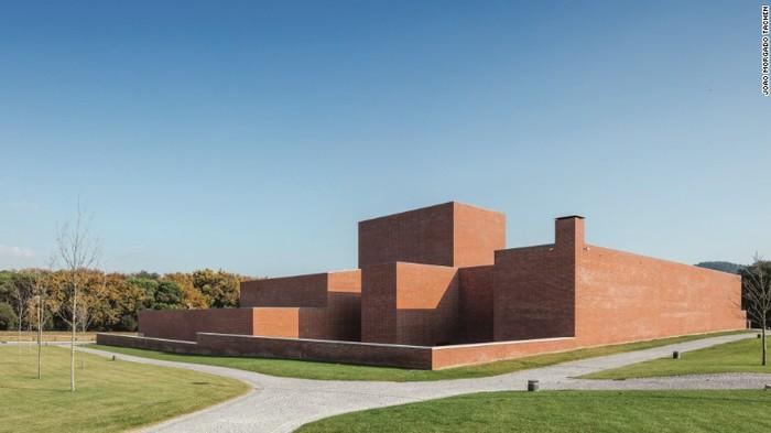 Tham quan 9 công trình bằng gạch đặc sắc nhất thế giới - Ảnh 27.